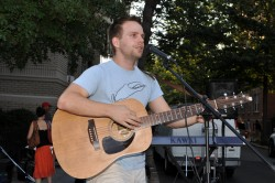Gay singer/songwriter Tom Goss (Blade file photo by Michael Key)