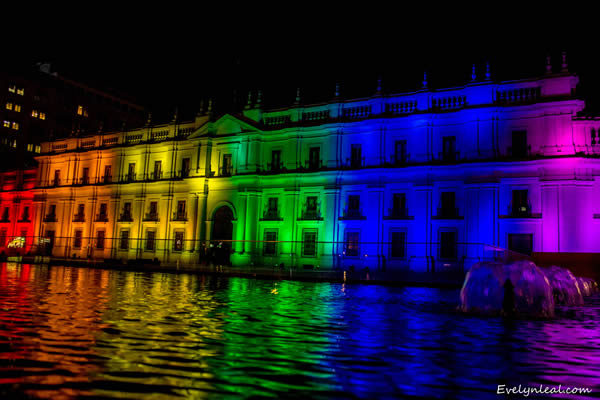 Chilean President Michelle Bachelet commemorated the International Day Against Homophobia and Transphobia on May 17, 2016, by illuminating the country's Presidential Palace in rainbow colors. (Photo courtesy of the Movement for Homosexual Integration and Liberation)
