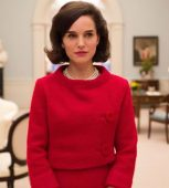 Natalie_Portman_in_Jackie_460x470_courtesy_FOX_Searchlight